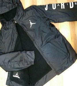 💕NWT/Air Jordan raincoat